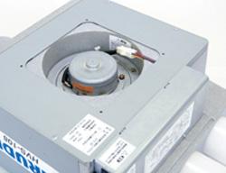 HVS-108は、換気装置本体の点検パネルを外すだけで、内部の点検や修理が容易におこなえます。